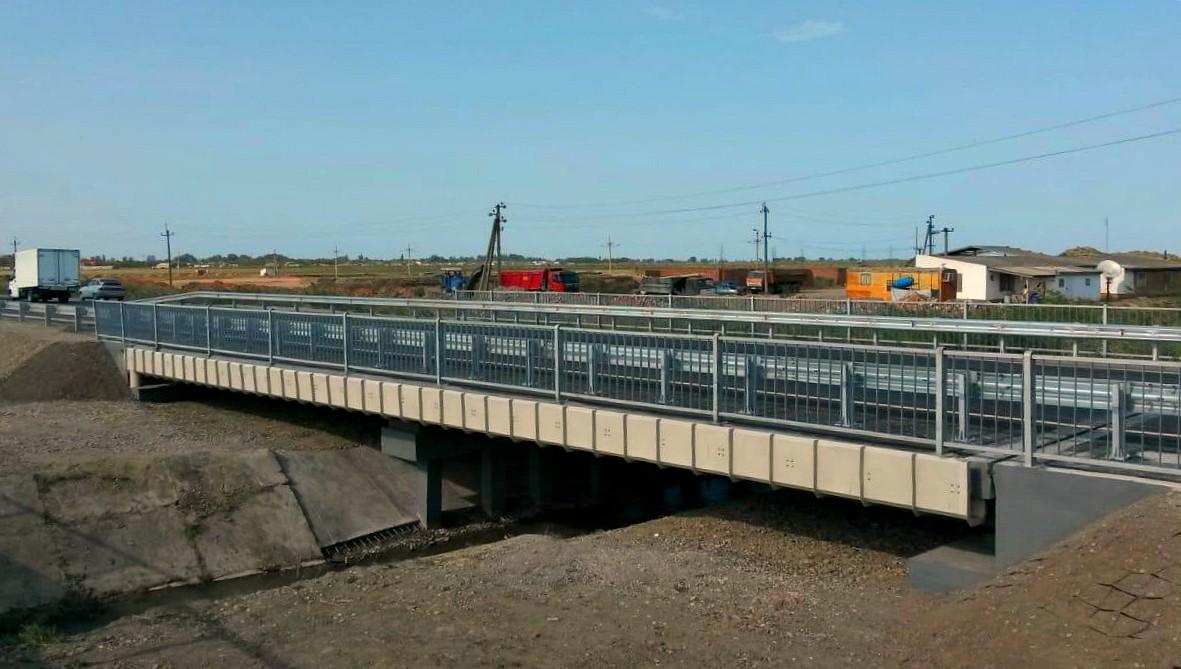 Мост через оросительный канал на автомобильной дороге Р-215