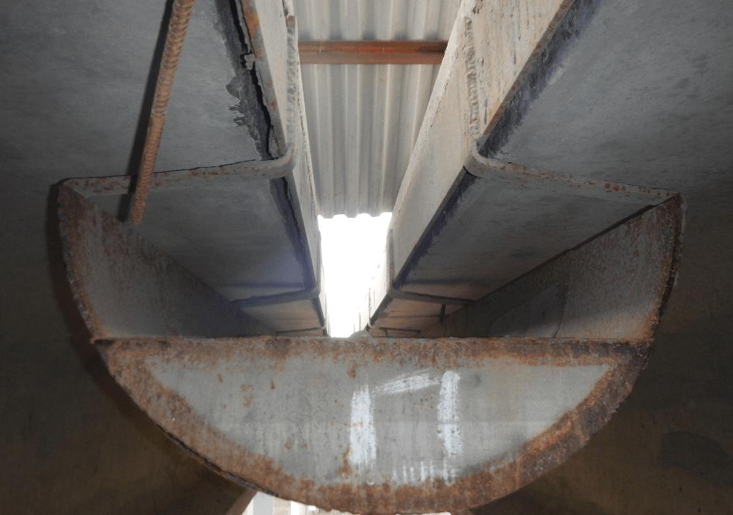 Конструкции продольных лотков на мостах